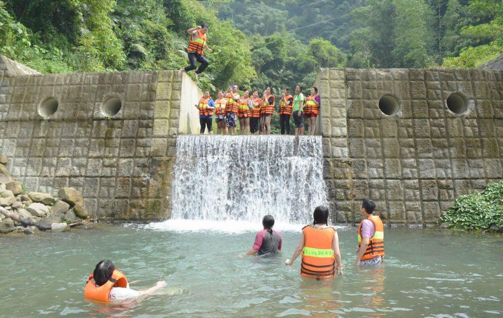 珈雅瑪 茶山 瀑布